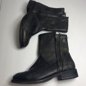 Hinge factory distressed 7.5 charcoal booties 7.5